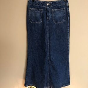 Tommy Hilfiger denim skirt-can be cut if you ask